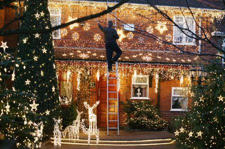 Christmas Lights in the Front Garden of a House - Learn To Hang Outdoor Christmas Lights
