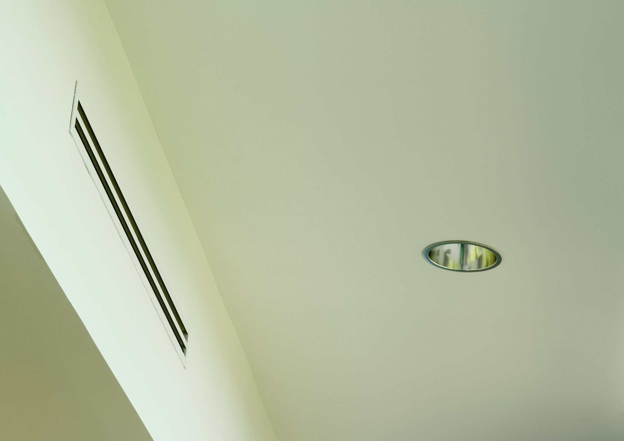 Air duct and ceiling light