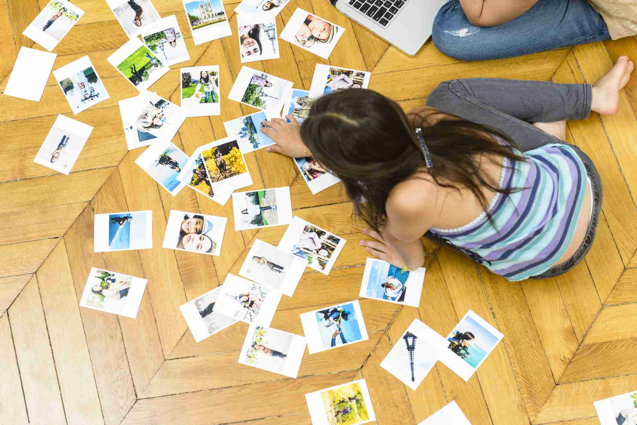 Kids printing photos