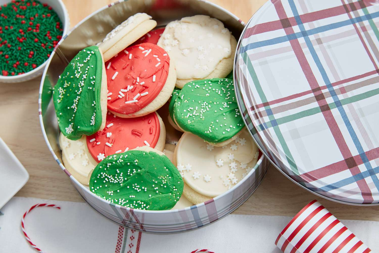 Can of Christmas cookies