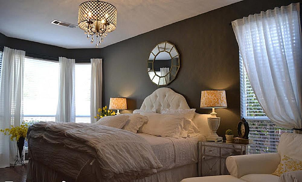 9 decorating tips for a romantic bedroom. Black Bedroom Furniture Sets. Home Design Ideas