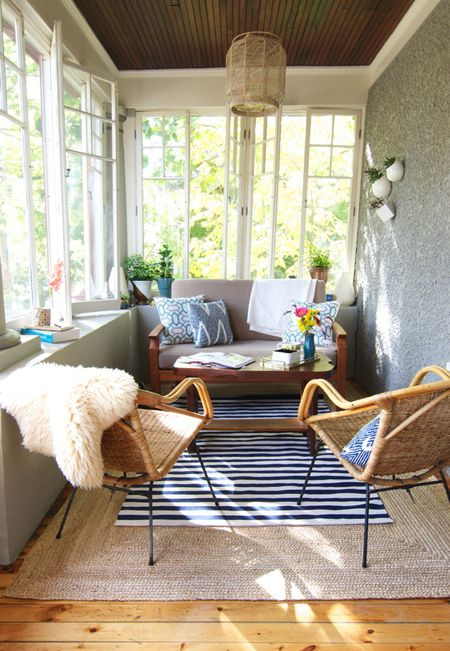Sunroom With Small Couch And Chairs