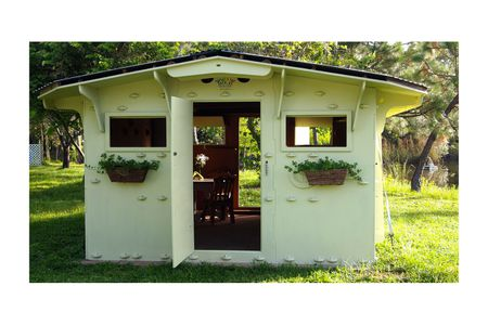 7 totally doable diy tiny house kits shelter in a day kit solutioingenieria Choice Image