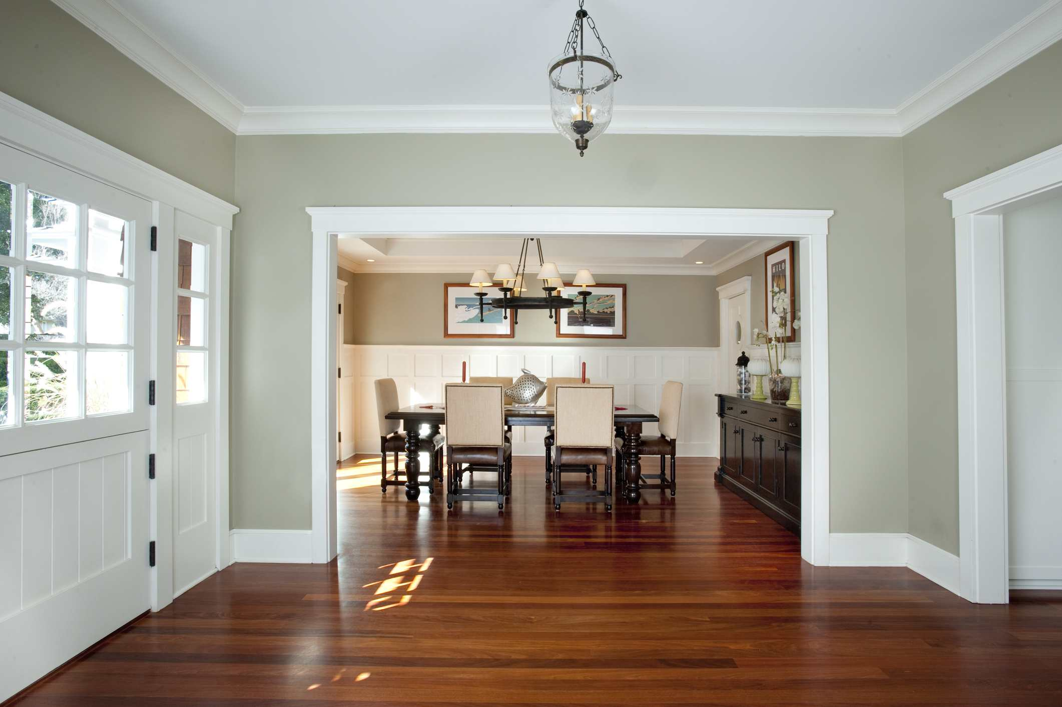 5 Beautiful Accent Wall Ideas To Spruce Up Your Home: Guide To Wall Trim Types And Styles