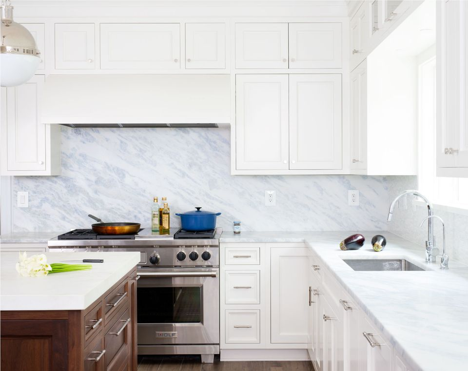 19 Marble Backsplash Ideas for Every Decor Taste on kitchen sinks soapstone, kitchen countertops soapstone, kitchen faucet soapstone,