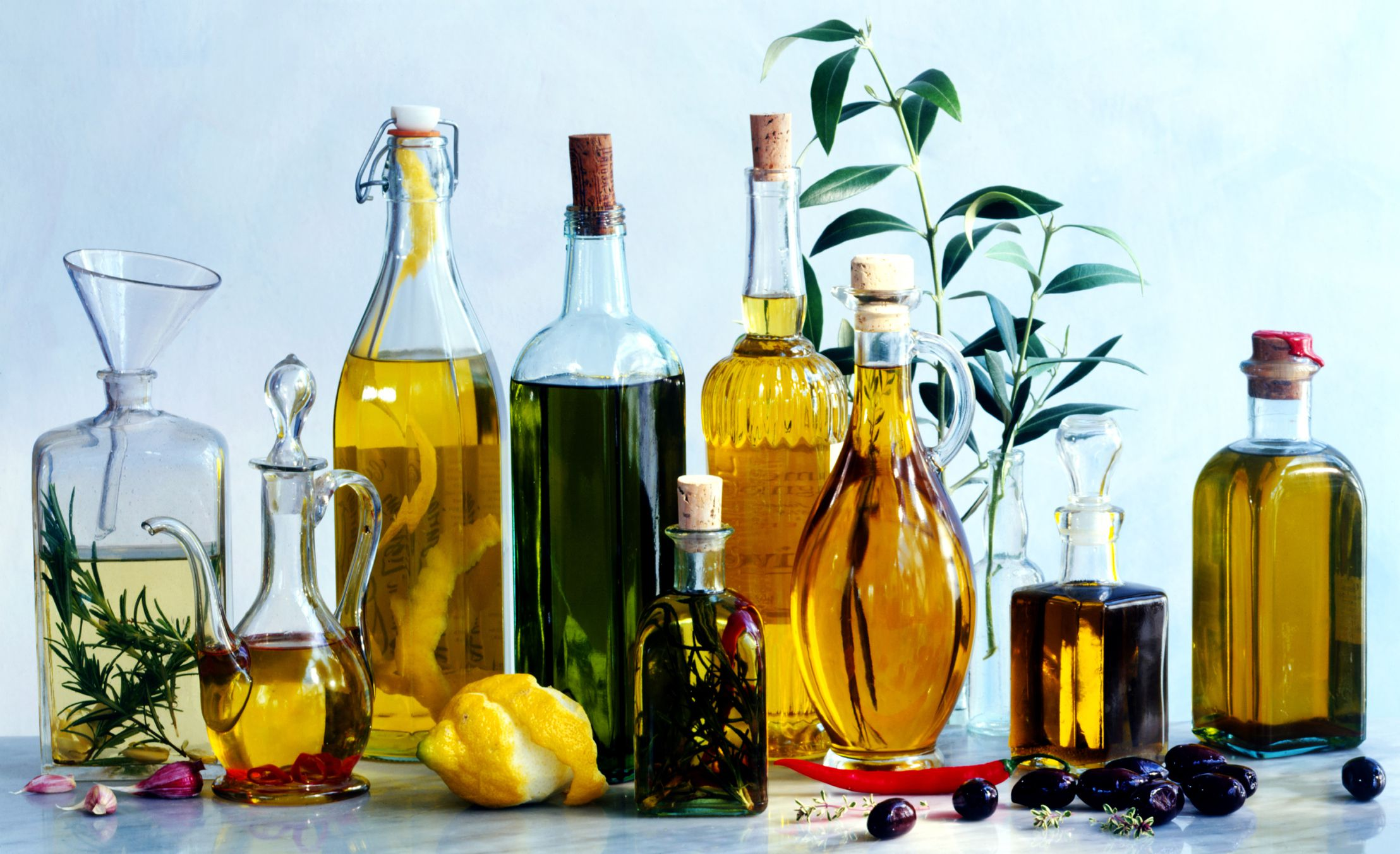 How to Make Homemade Herbal Oils for Cooking