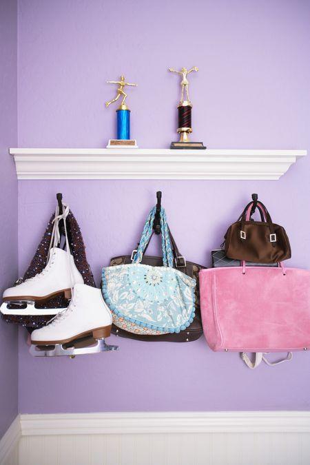 da327f55b795 Clever Handbag Storage Ideas