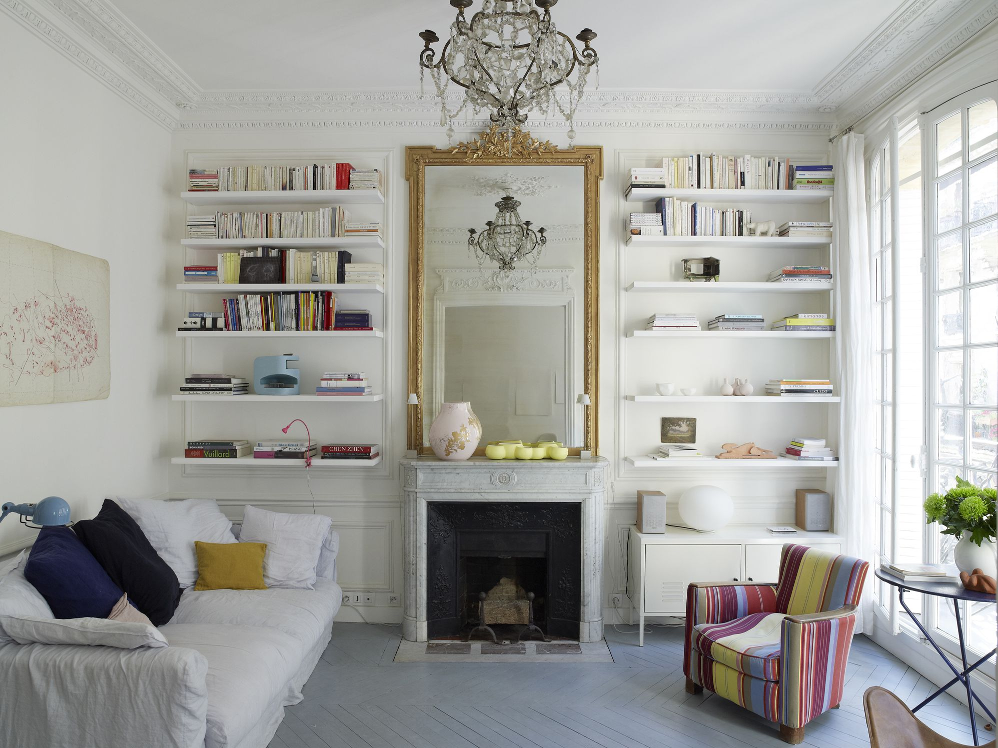 How To Use Mirrors Create Good Feng Shui, Is It Ok To Put Mirror In The Living Room