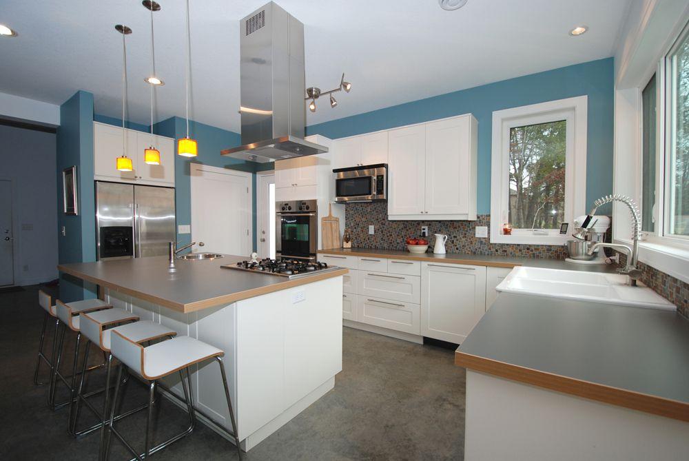 laminate wood toned countertops