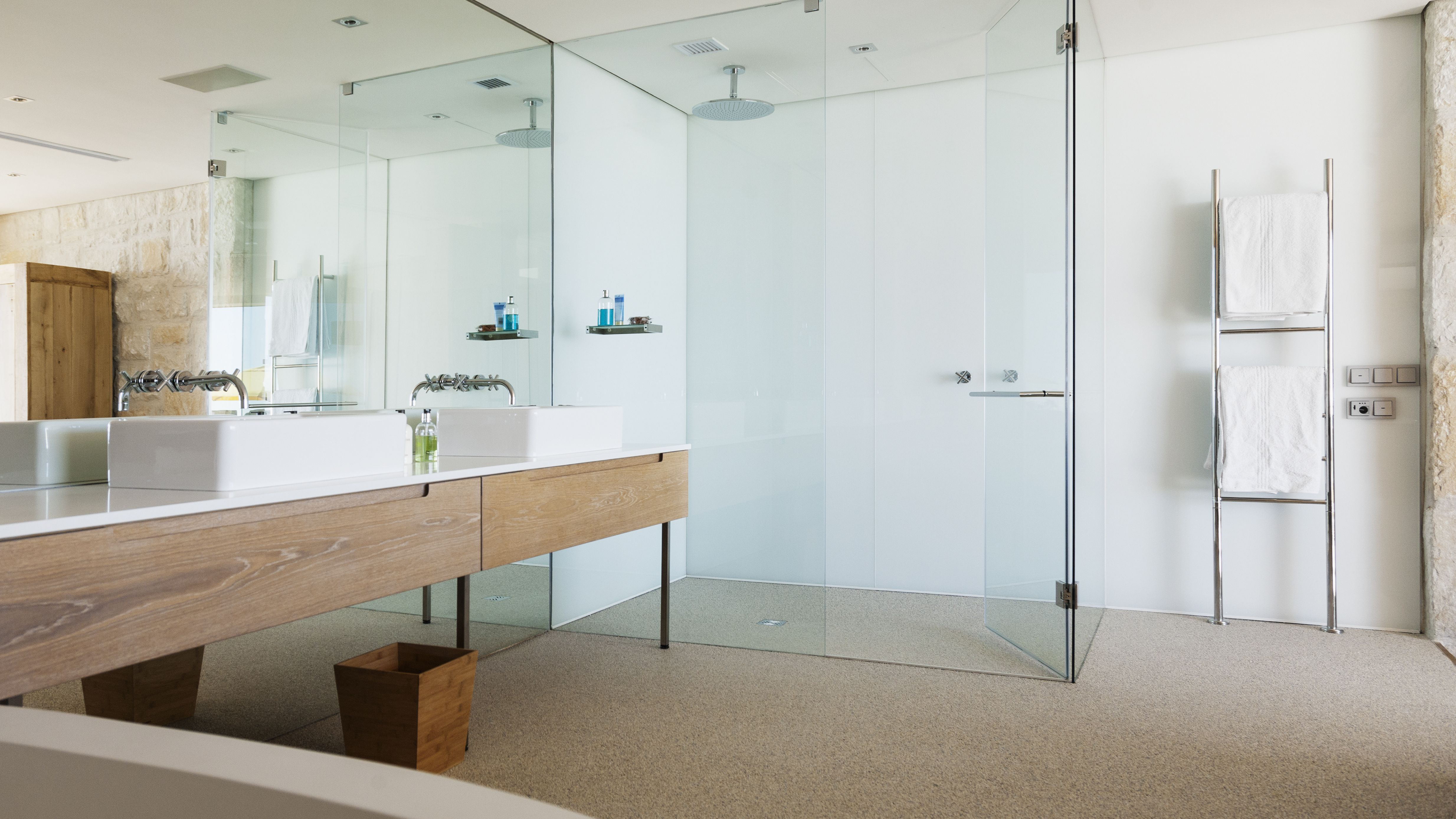 How To Easily Repair Shower Stalls And Tubs