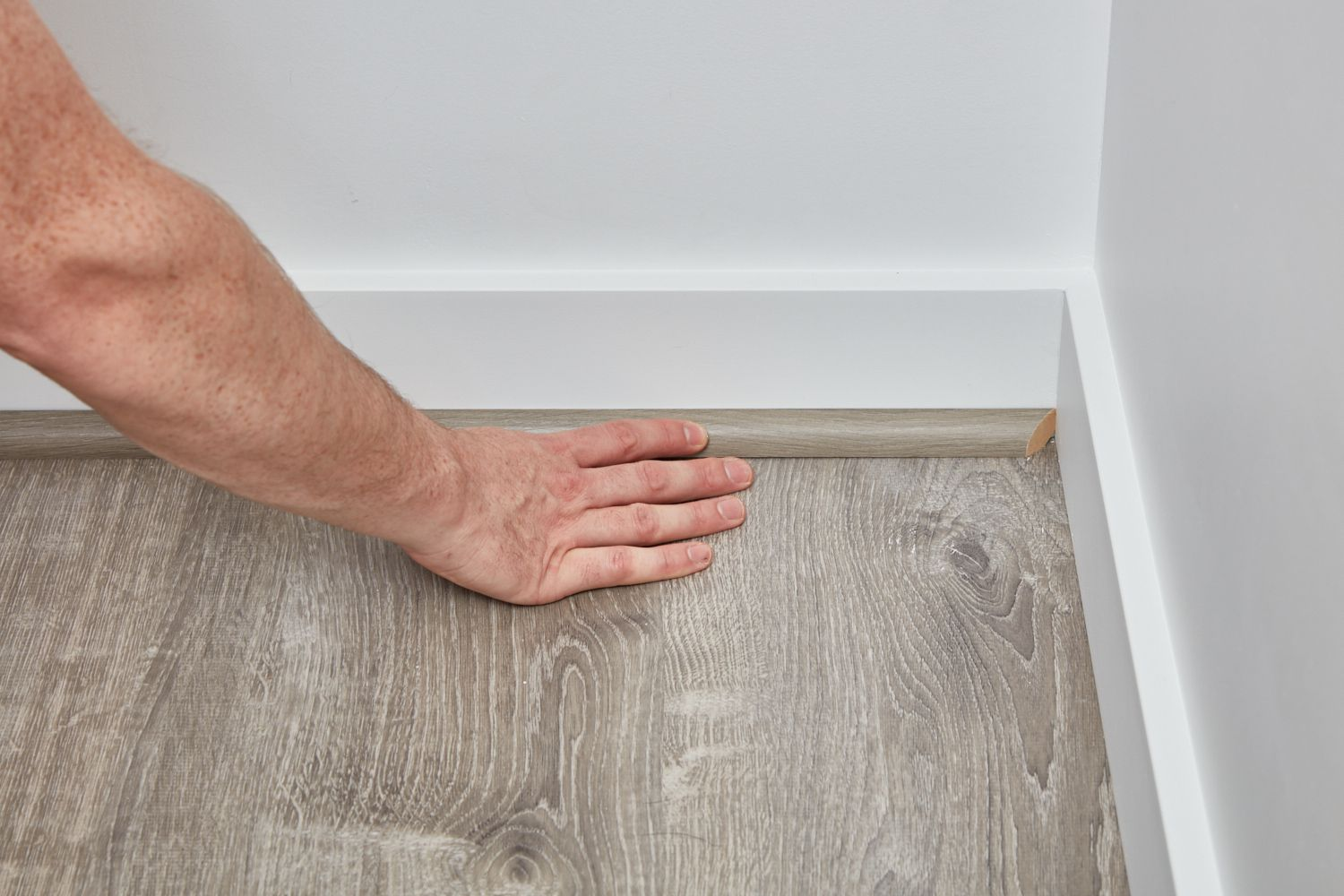 How To Install Shoe Molding Or Quarter, Laminate Flooring Molding Installation