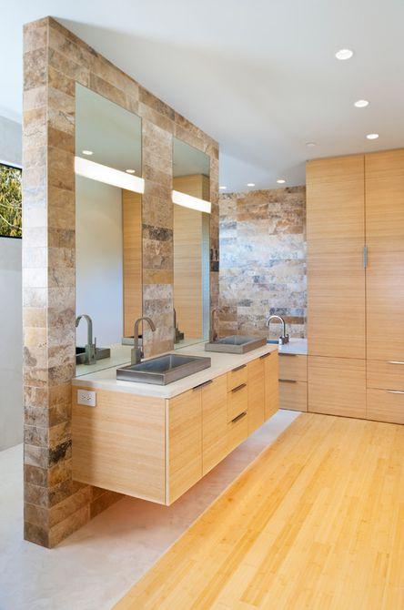Pisos de bambú en un baño