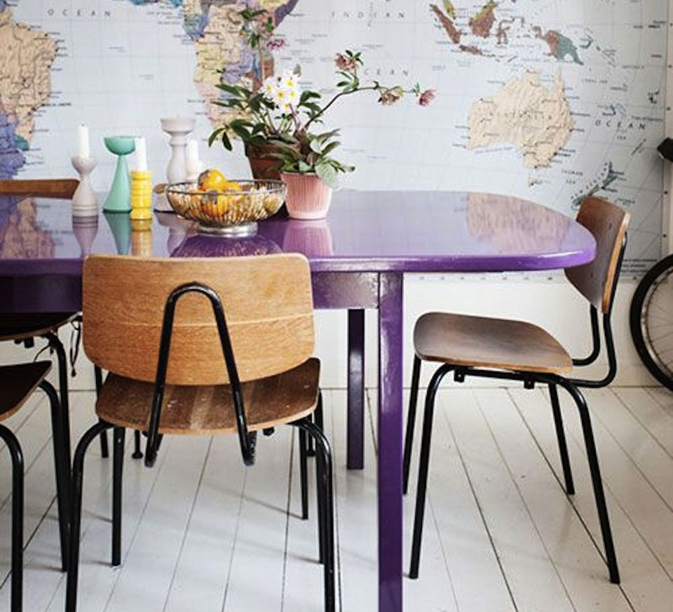 5 Colorful Dining Room Tables