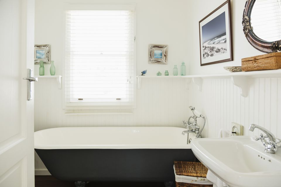 Small bathroom with claw foot bathtub