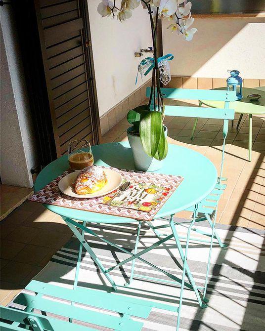 Bistro clásico en balcón