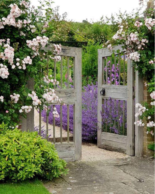puerta de jardín inglés de Dorset  , Puerta de madera tropical Miami ipe
