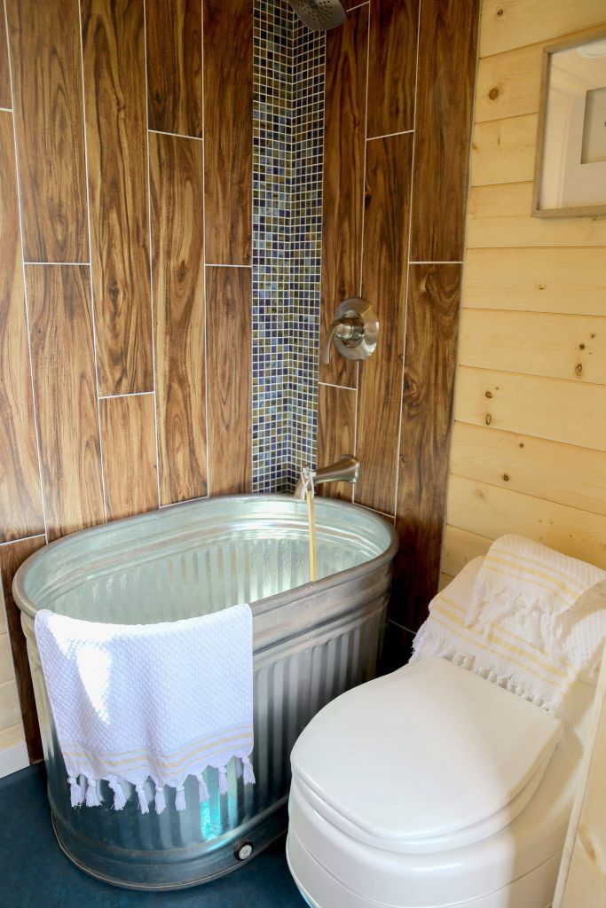 Tiny House Bathtub >> 33 Small Shower Ideas For Tiny Homes And Tiny Bathrooms
