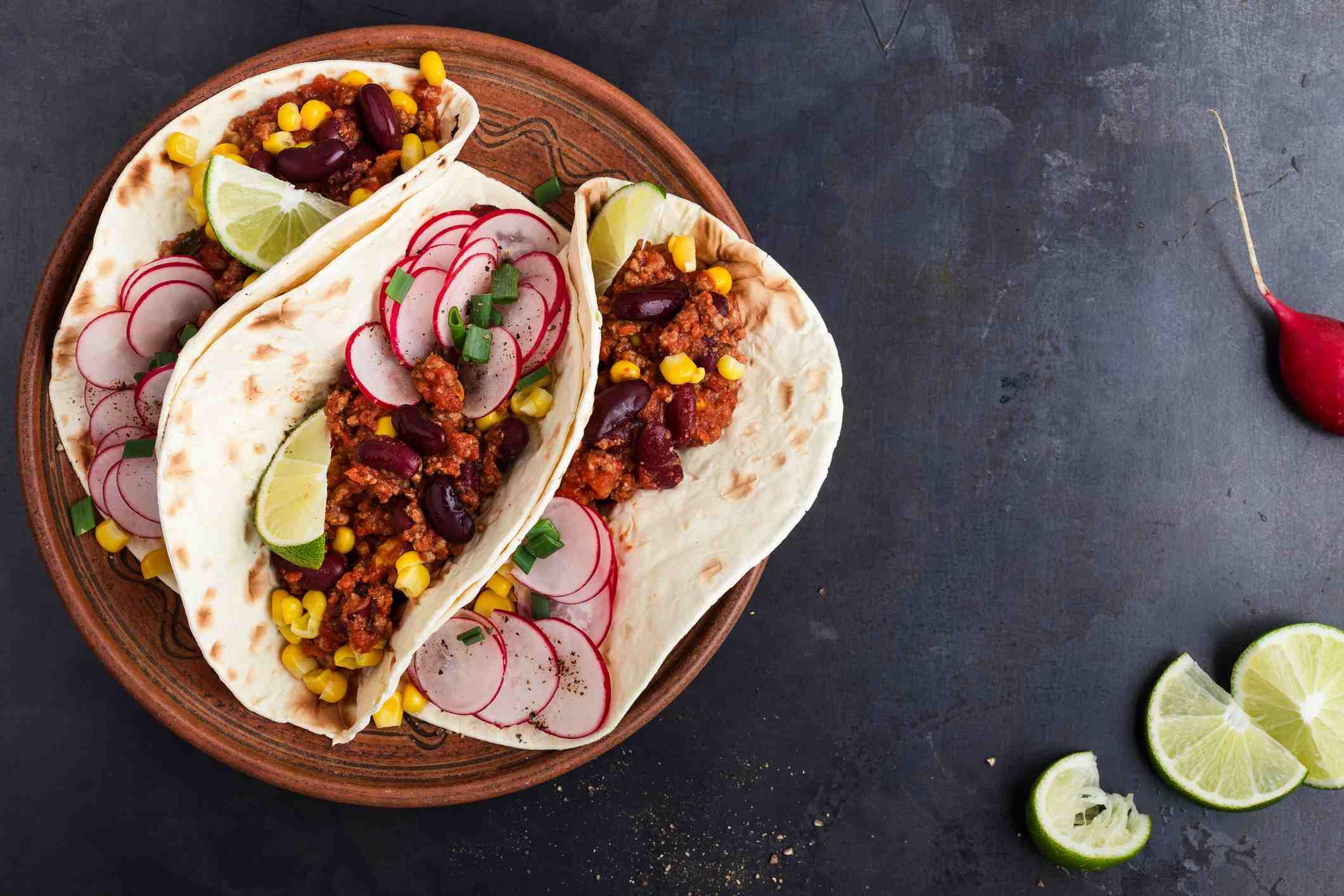 Soft shell chorizo tacos with lime