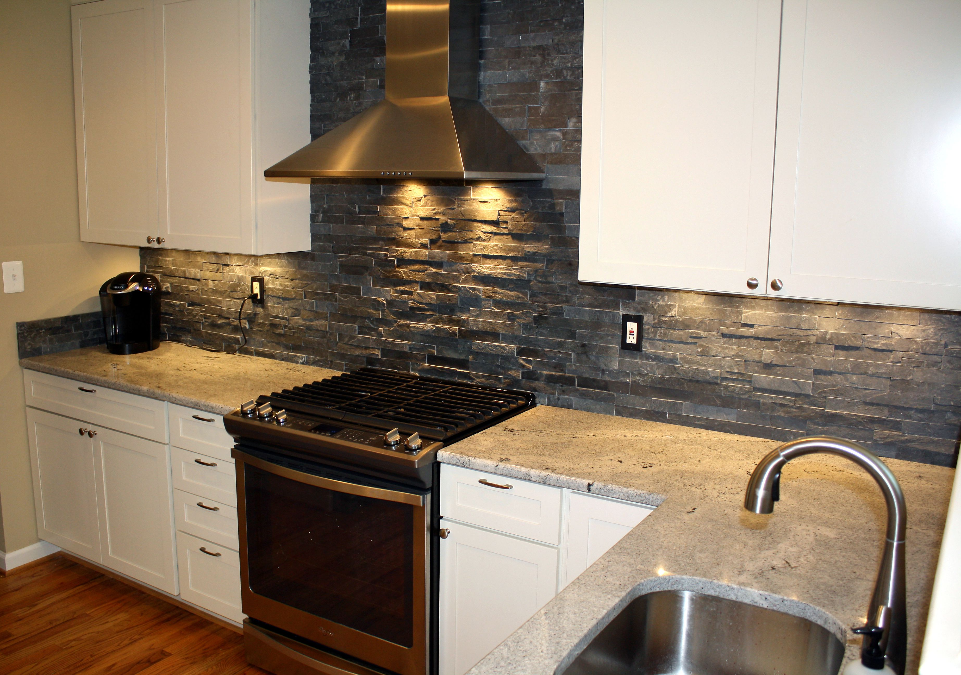 - 19 Stacked Stone Backsplashes For For Kitchens