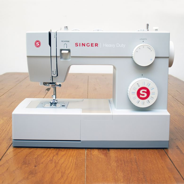 Singer Heavy Duty 4423 Sewing Machine Review: Powerful and Affordable