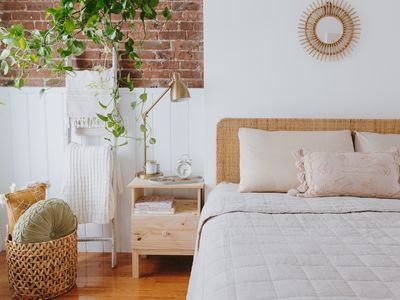 How To Clean Up Bedrooms In 15 Minutes