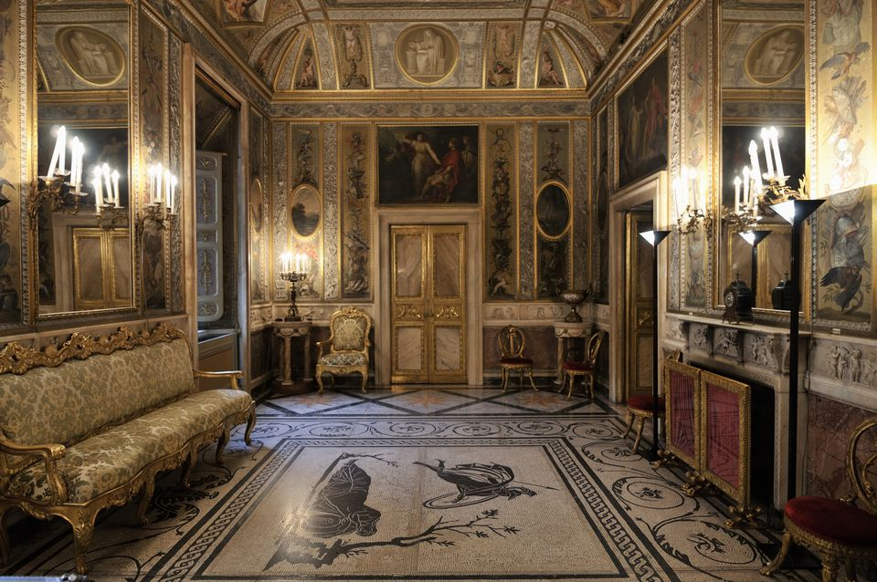 What is Baroque style interior design