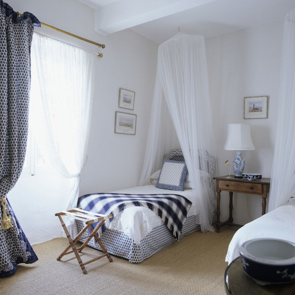 Bedroom Design Blue And White Shabby Chic Bedroom Furniture Uk Bedroom Curtains For Small Windows Bedroom Curtains Ikea: Photos And Tips For Decorating A Shabby Chic Bedroom