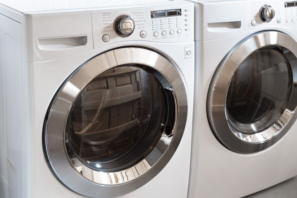 High-efficiency white and metal washer machines