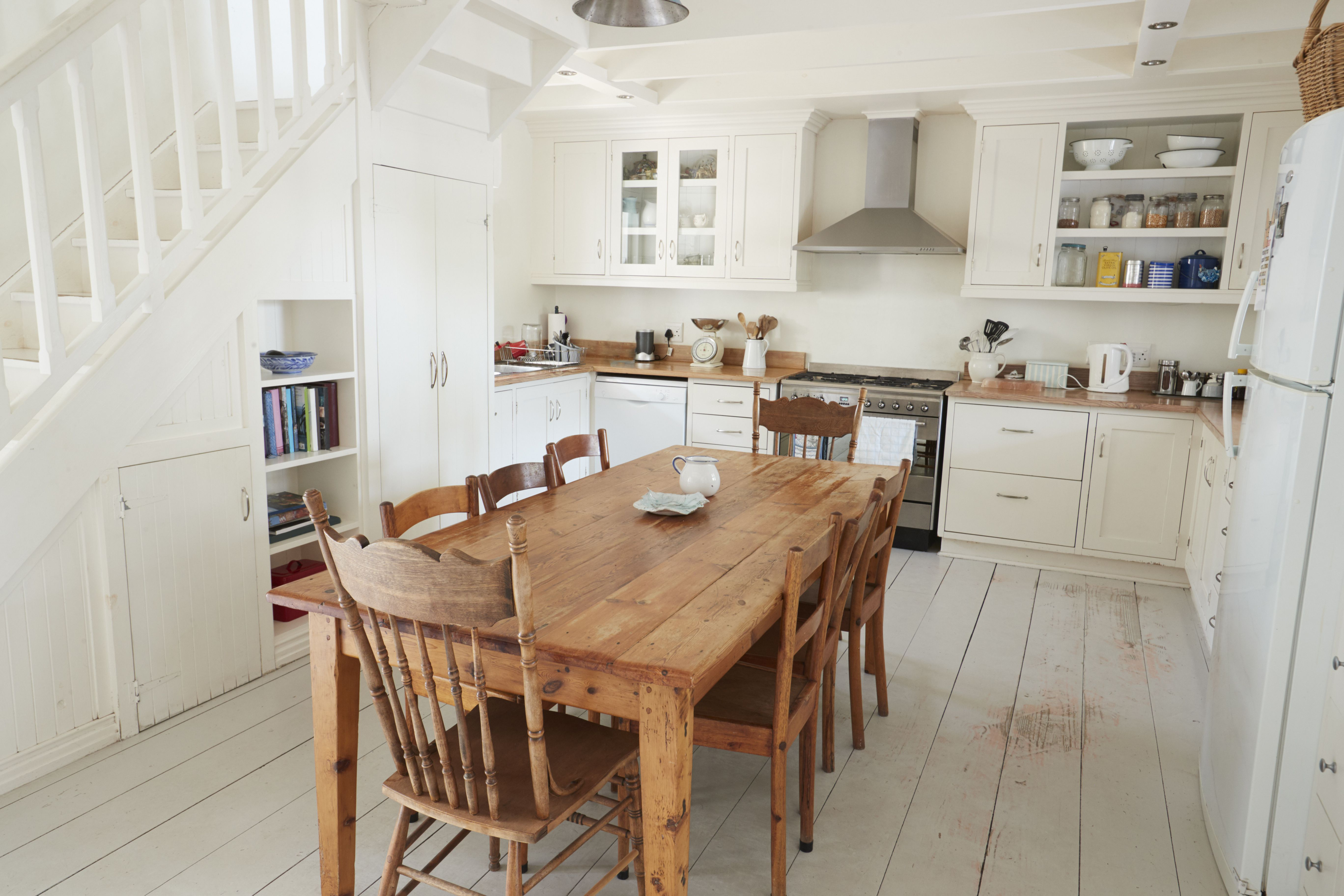 The 5 Best Farmhouse Dining Tables Of 2021, Farm Table Dining Room