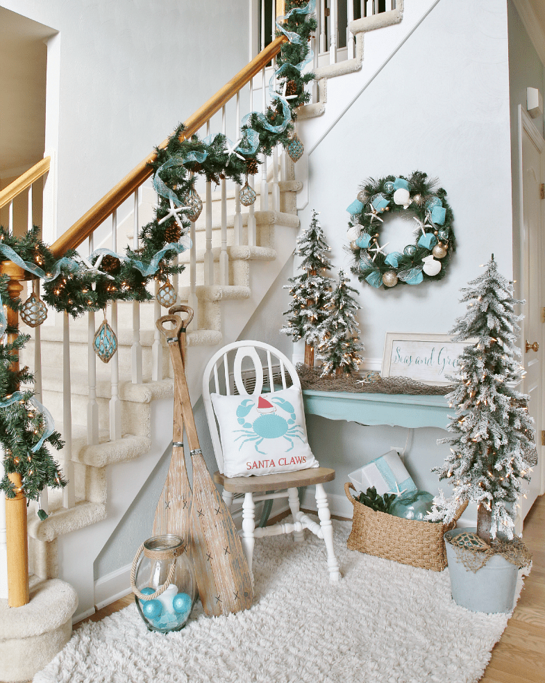 chic beach houses decorating ideas for the holidays - Aqua Christmas Decorations