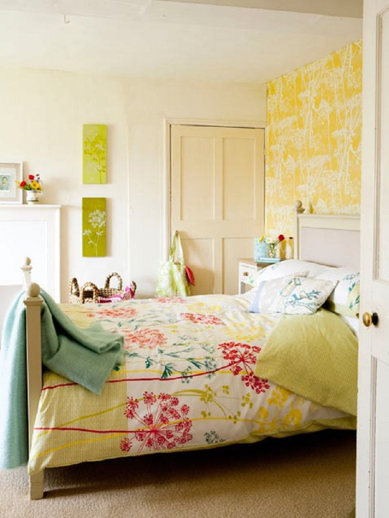 Colorful Small Bedroom Decorating Ideas