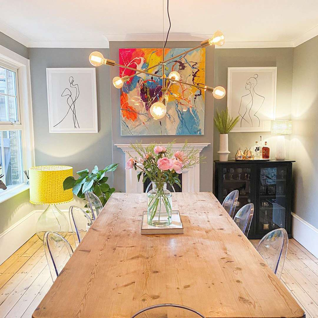 Dining room with artistic details