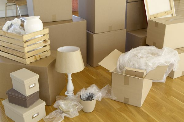 Moving boxes with lamp