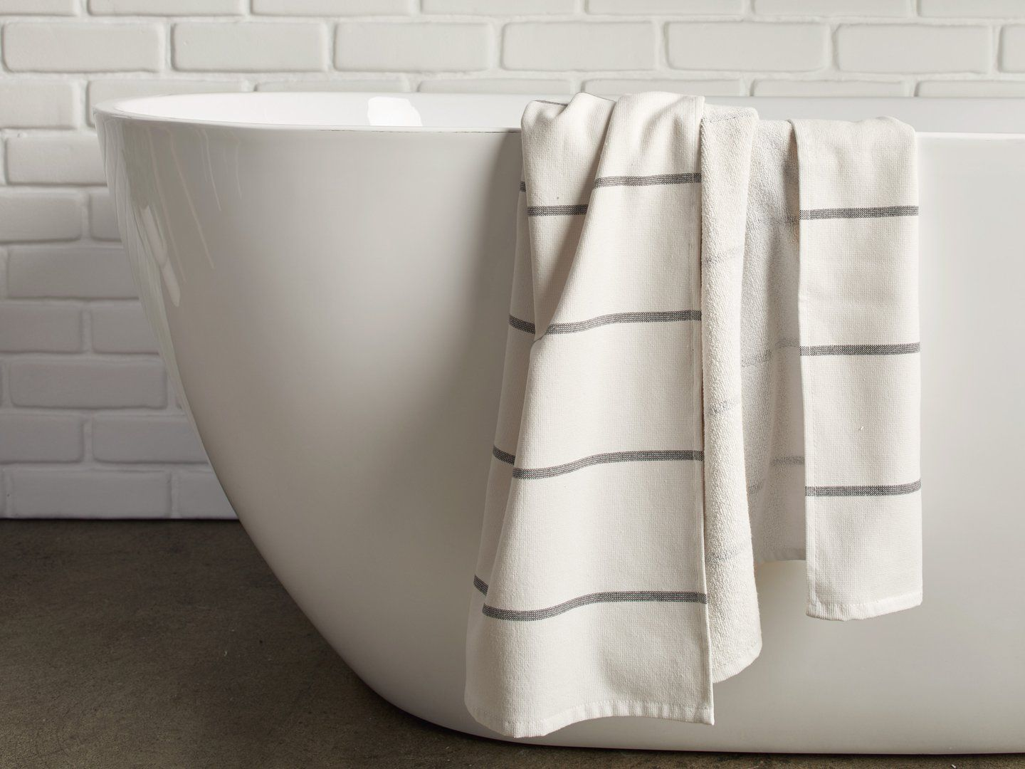 The 12 Best Bath Towels Of 2019