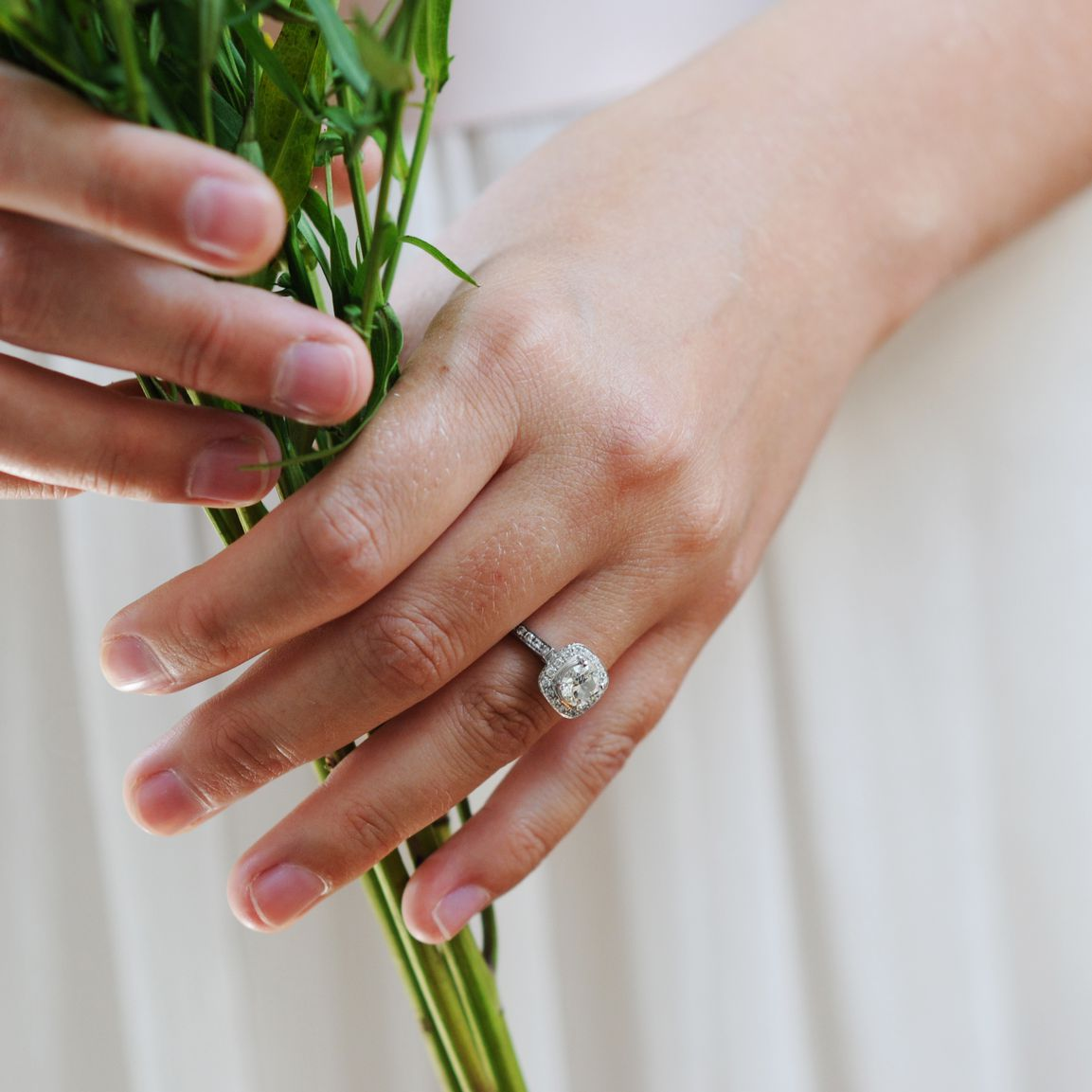 How To Find The Best Deals On Engagement Rings