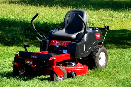 The Lt1000 Lawn Tractor Its Features Accessories And Where To >> Riding Mowers Vs Lawn Tractors What S The Difference