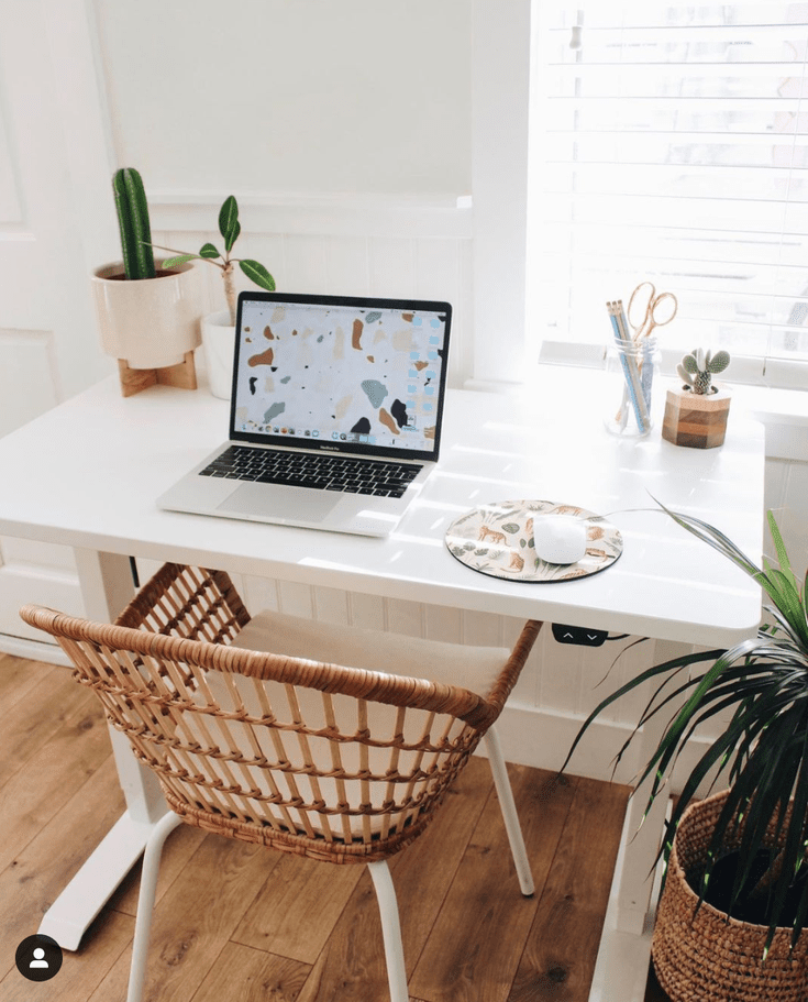 Desk Decor Ideas To Try In Your Office, Colored Desk Accessories