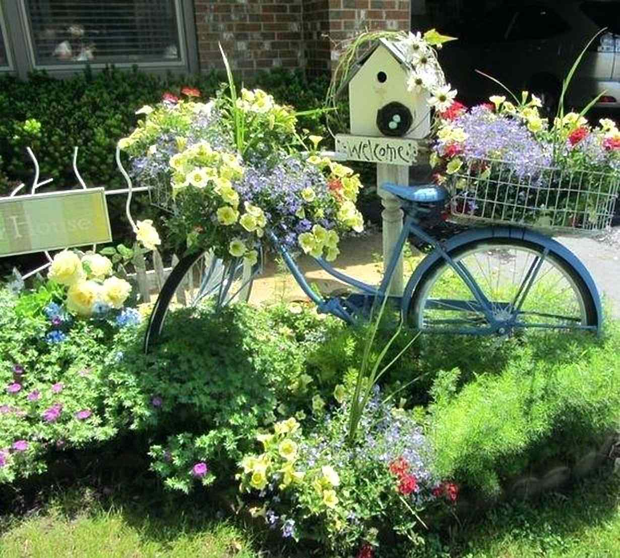 Vintage Bicycle Garden Decor