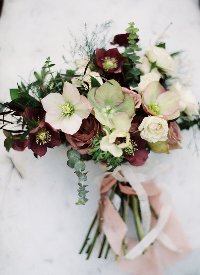 15 In Season Winter Wedding Flowers
