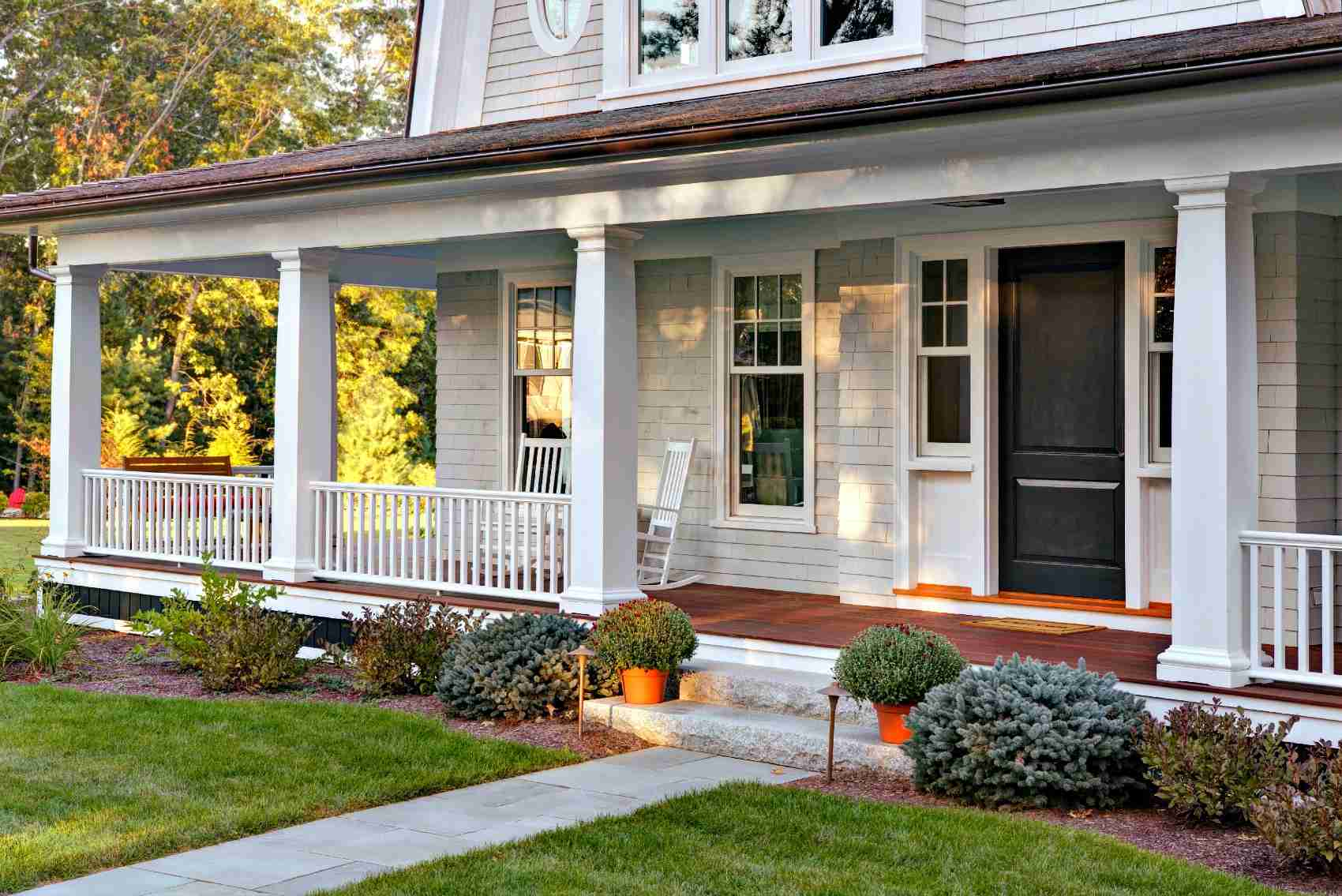 451041033-porch.jpg