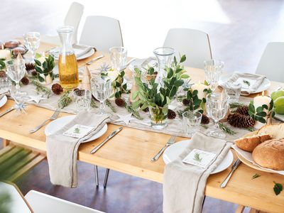 Quick And Easy Tips For Setting A Formal Dinner Table