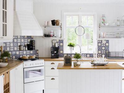 4 Ways To Repair Your Kitchen Countertops