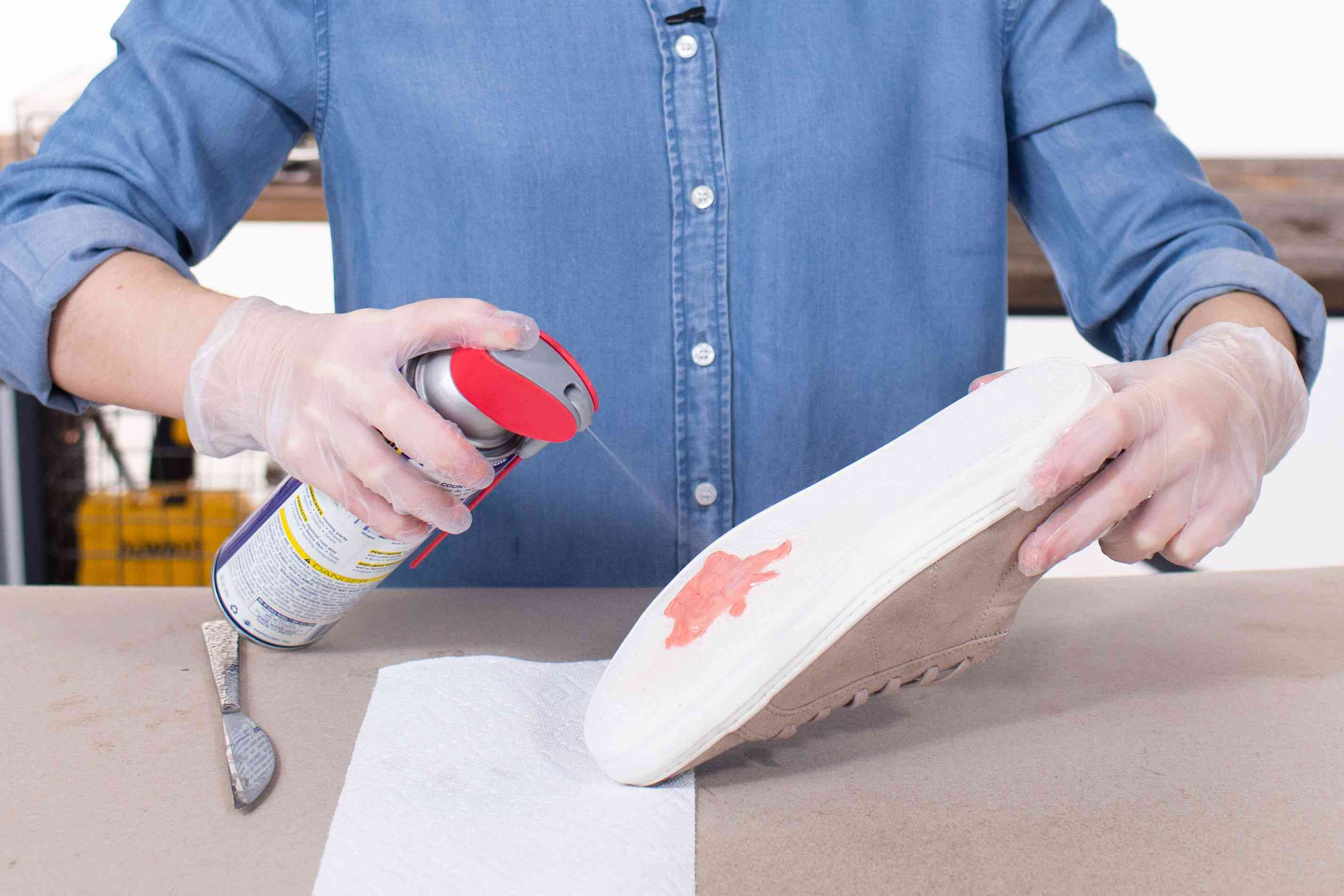 Spraying gum with WD-40