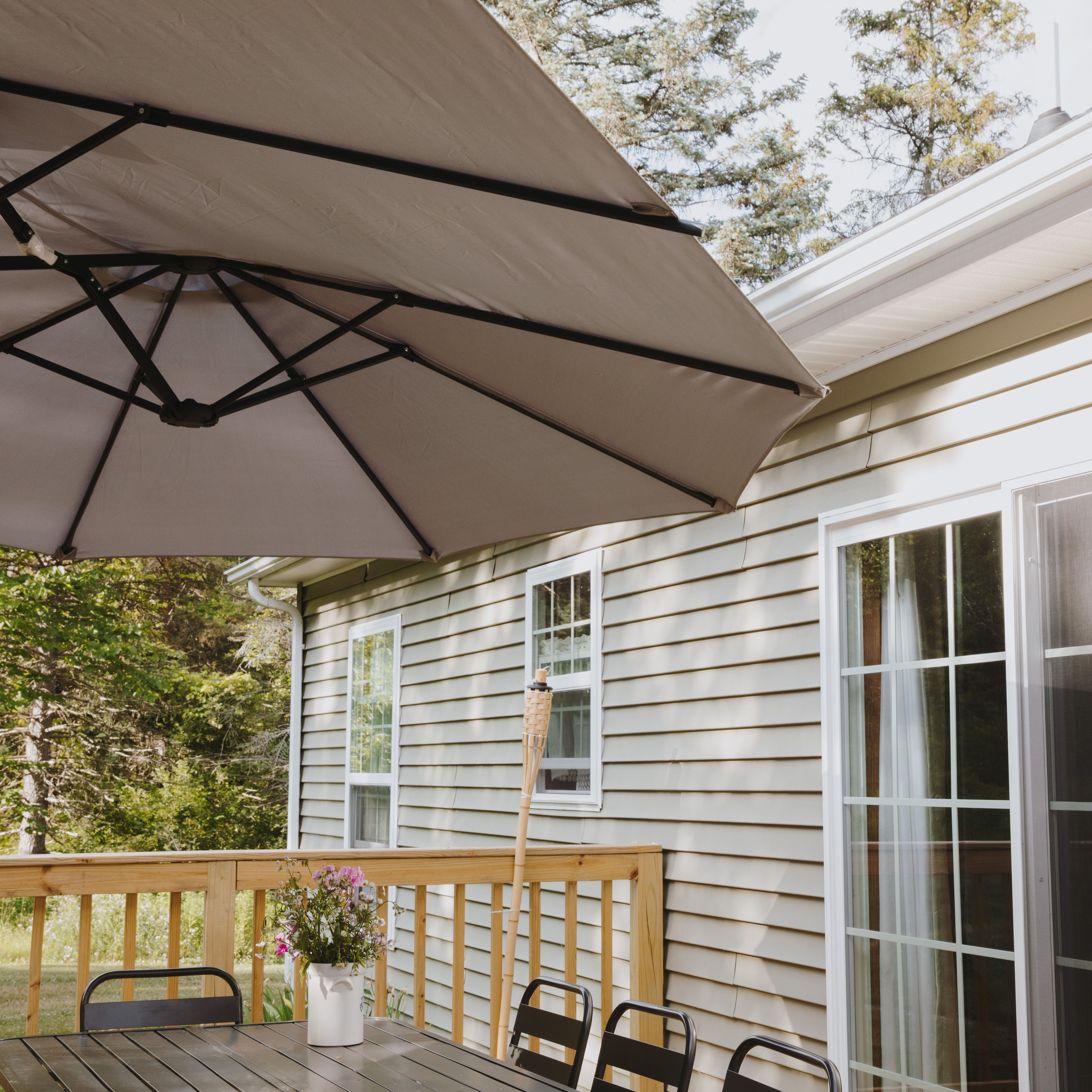What To Look For In An Outdoor Patio Umbrella