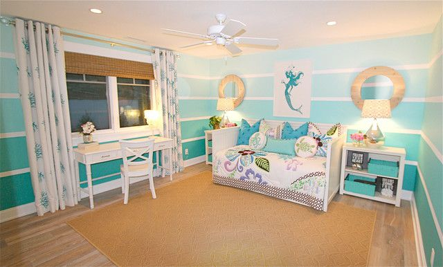 Mermaid-themed girl's room with Ombre walls