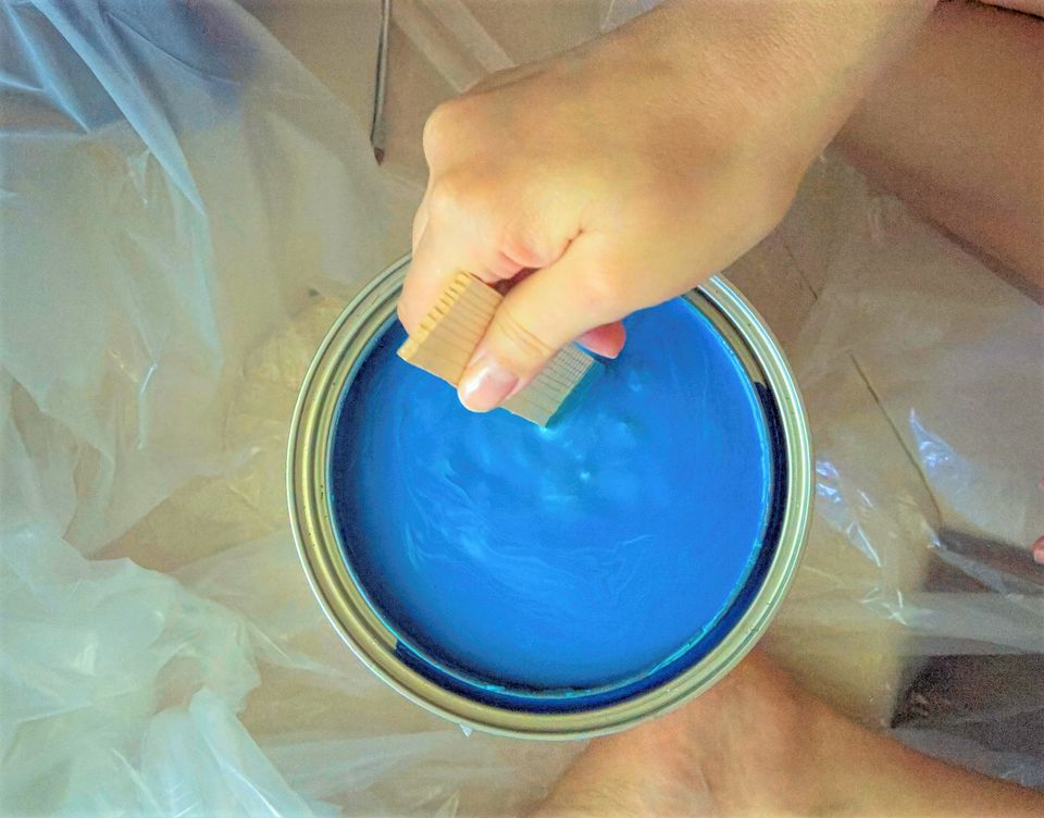 Thinning and Stirring Latex Paint