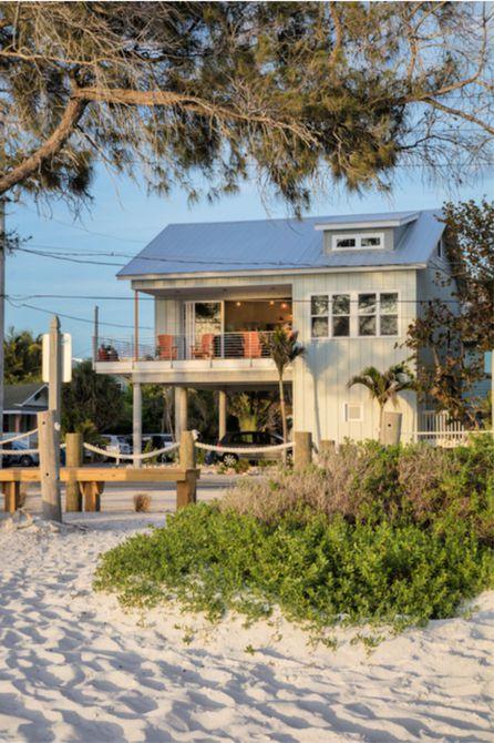 casa de playa de dos pisos