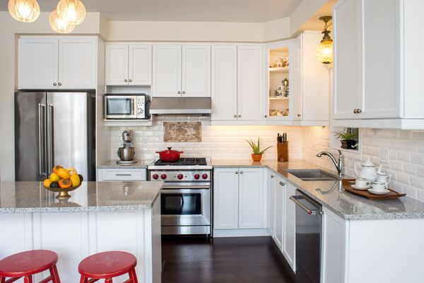 Kitchen cabinet soffit