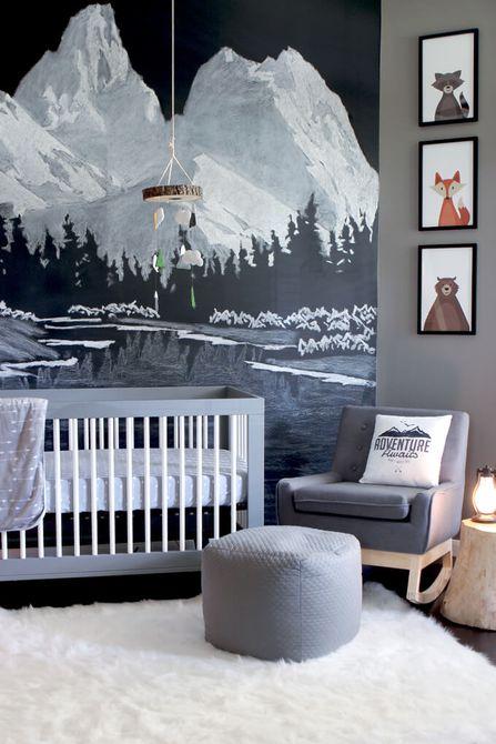 Vivero negro, blanco y boho con pieza focal dramática para colgar en la pared