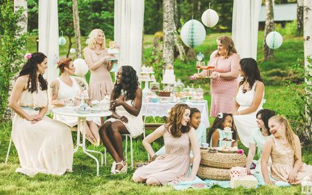 who throws and pays for the bridal shower